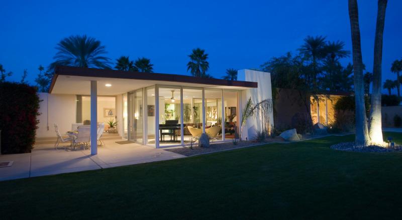 Casas Modernas - Piso Único com paredes de vidro